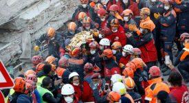 İzmirdeki Depremde Elif Bebek Kurtarıldı